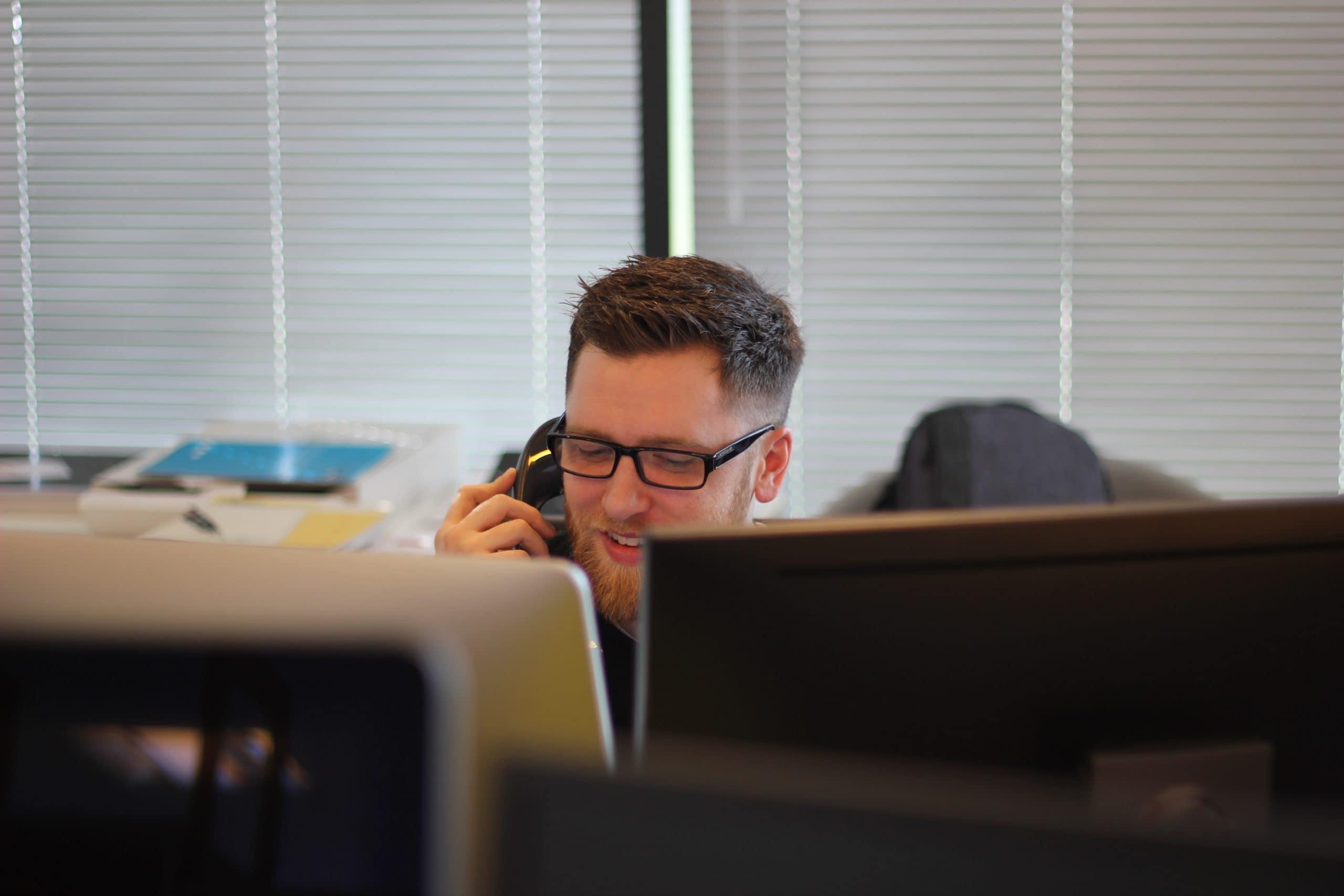 relation client au téléphone