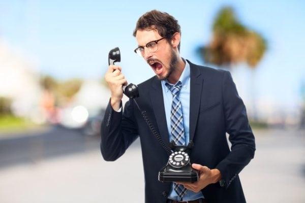 Un guide express pour gérer les clients difficiles au téléphone