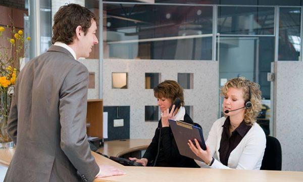 Quels sont les fondamentaux de l'accueil au téléphone?